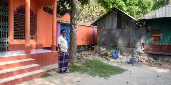 Magura School Teacher in Problem pic